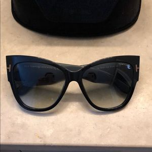 Tom Ford sunglasses brand new never worn